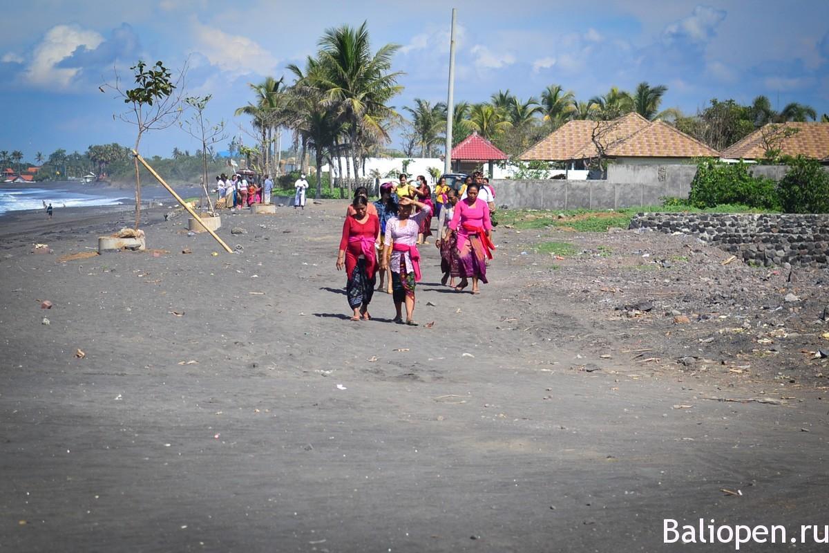 Пляж полнолуние на Бали