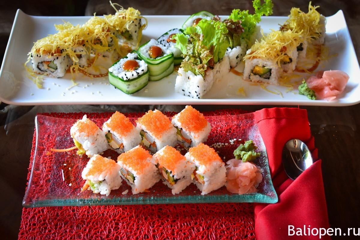 Где поесть суши в Убуде. Атмосферный Rouge Lounge & Sushi Bar.