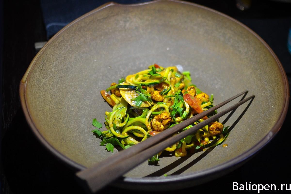 Moksa – модное вегетарианское кафе в Убуде, с собственным садом