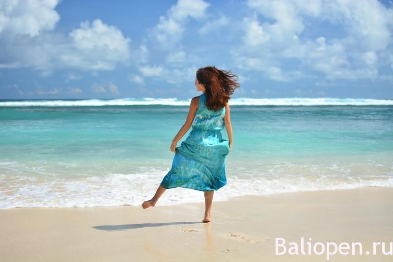 Пляж Меласти на Бали (Melasti Beach). Фантастический и инопланетный.