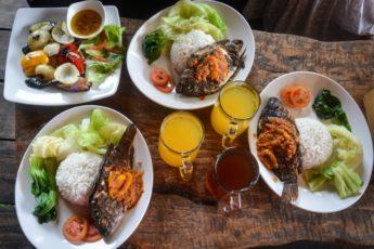 Warung Rekreasi Bedugul - уютное кафе в Бедугуле.