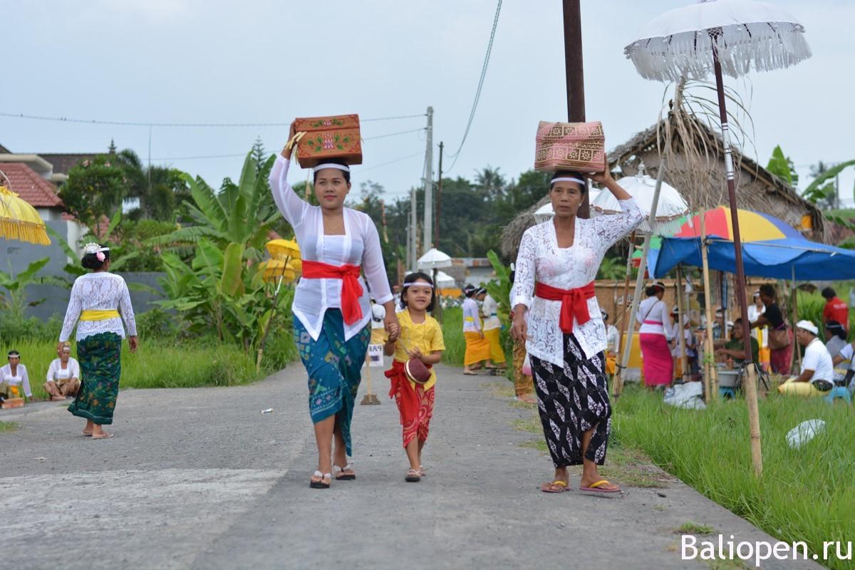 Праздники на Бали - Галунган(Galungan) и Кунинган (Kuningan)